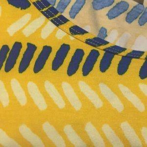 LuLaRoe Tops - 🔴4 FOR $30🔴LuLaRoe Yellow Blue Print Perfect T